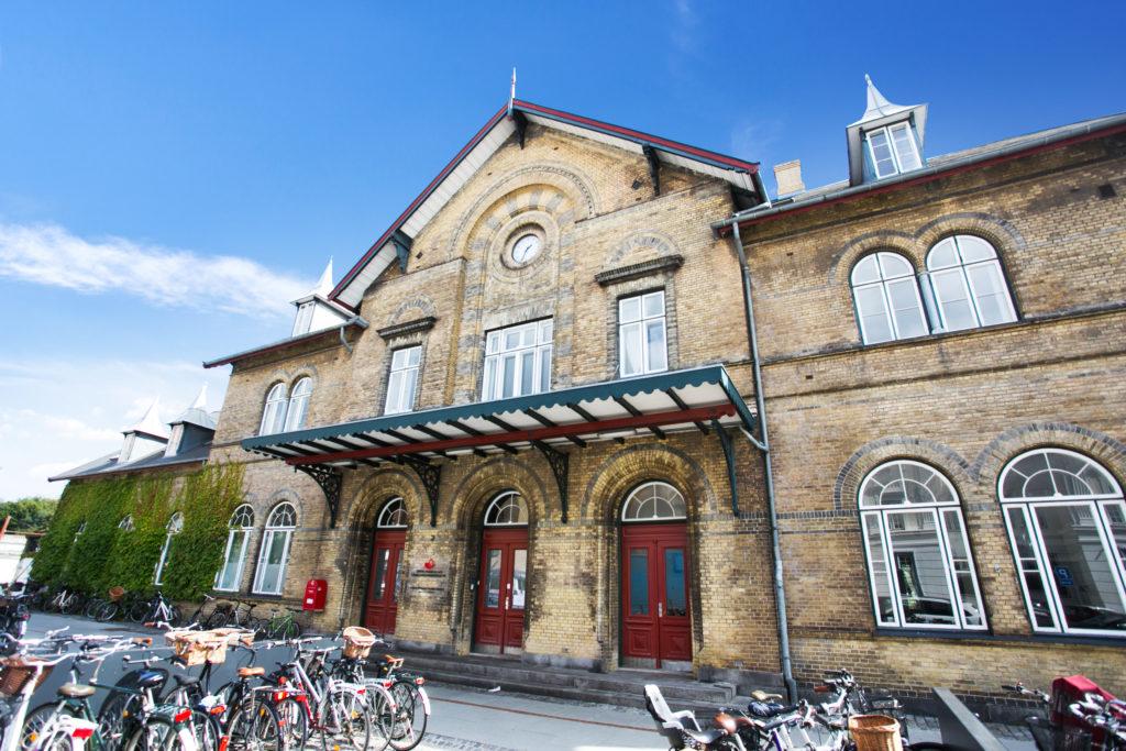 Her ses kontorfællesskab i Charlottenlund - Den gamle stationsbygning
